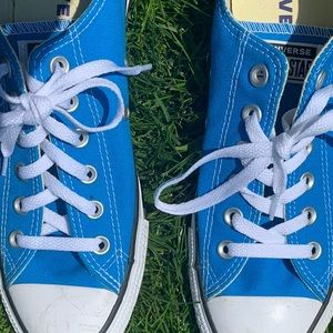 BLUE LOW TOP CONVERSE 🦋